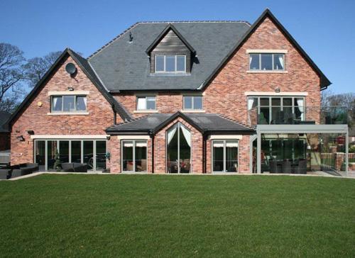 homes of distinction